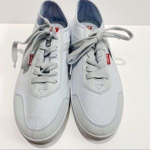 Levi's blue lace up sneakers NWT